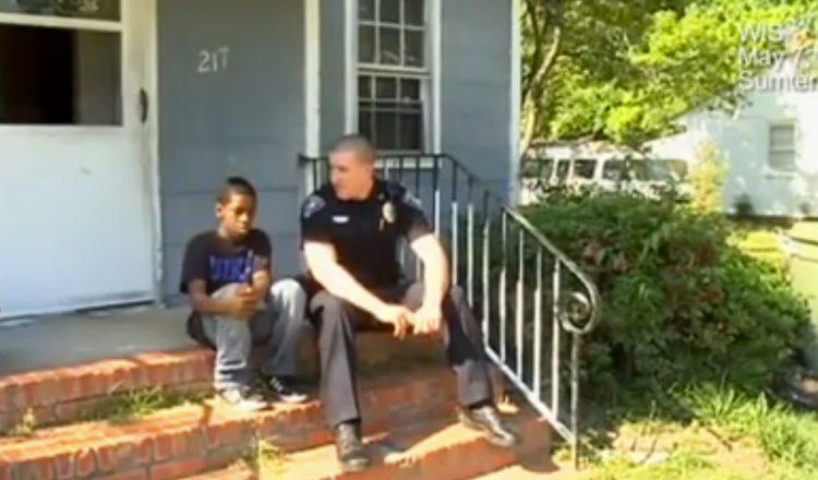officer helps runaway