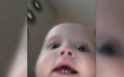 baby steals phone records escape