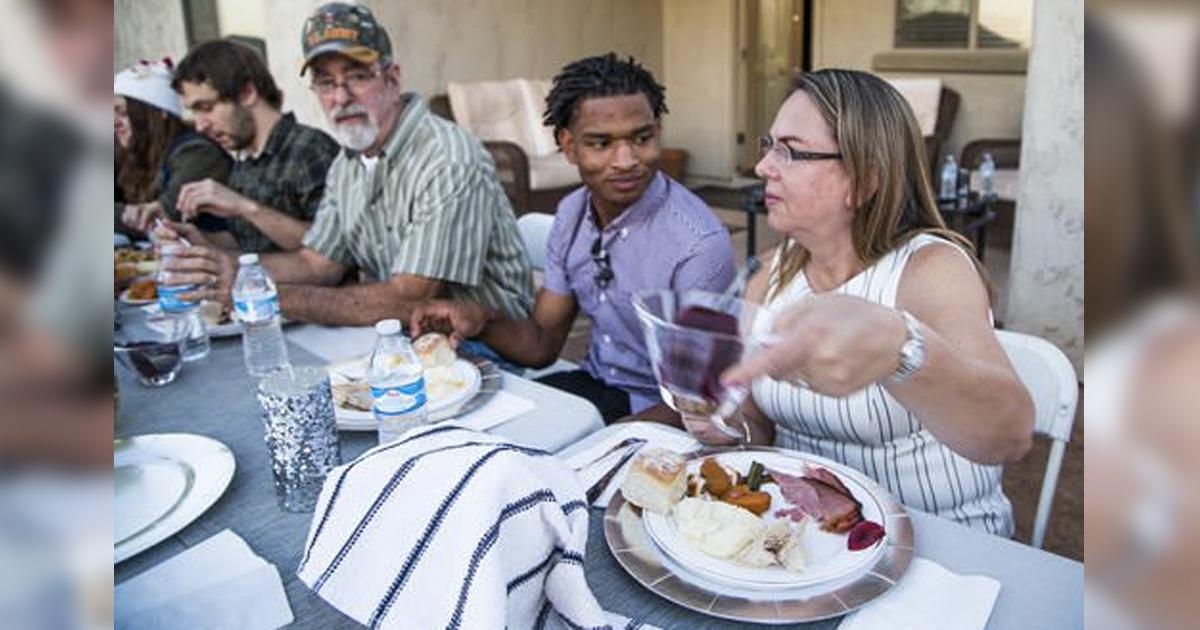 Wanda Dench and Jamal _ Grandma Texts wrong number Stranger _ Thanksgiving _ Everything Inspirational