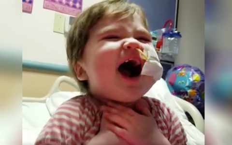 toddler sings overcomer mandisa cancer