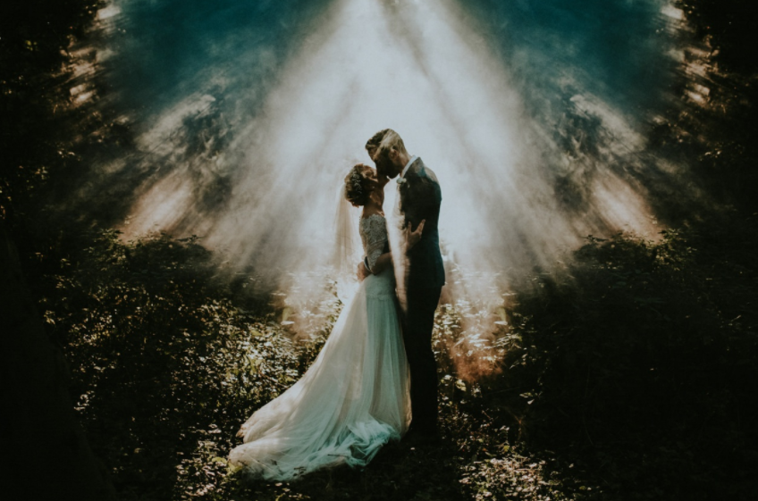 Mind-Blowingly Beautiful Wedding Photos _light streaming fog _ everything inspirational