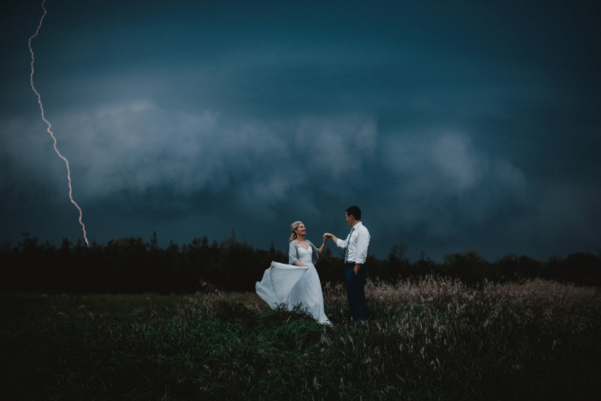 Mind-Blowingly Beautiful Wedding Photos _ storm _ lightning _ everything inspirational