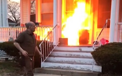 UPS Driver Stops Raging Fire On His Route _ everything inspirational