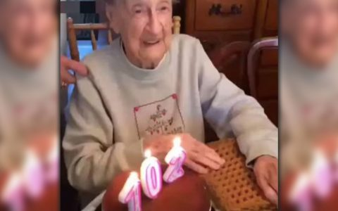 102-year-old Loses Her Teeth While Blowing Out Her Birthday Candles _ everything inspirational