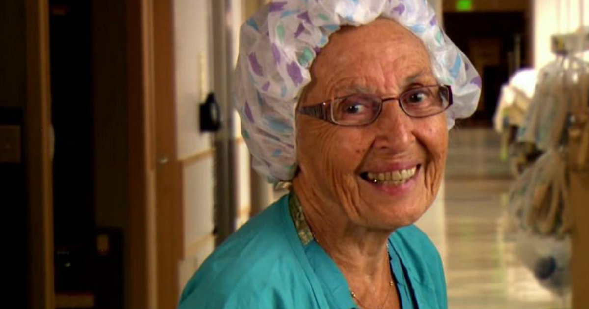 91-Year-Old Nurse Serves in Hospital for More Than 70 Years_ everything inspirational