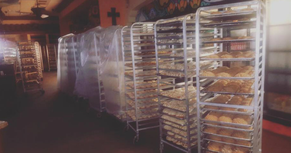 Bakers Trapped During Hurricane Made Loaves To Feed Hungry_ everything inspirational