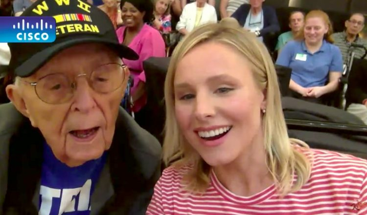 Celebrity Kristen Bell And Elderly Hurricane Irma Evacuees Have A Party _ Everything Inspirational