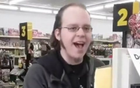 Singing Dollar Store Cashier Wows Customers And It Went Viral_ everything inspirational